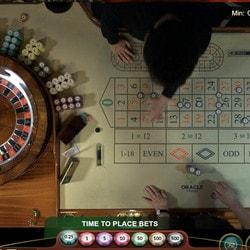 Roulette en ligne avec croupiers en direct d'un casino terrestre