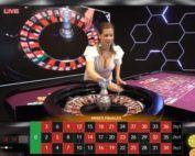 Capture d'écran d'une table de roulette casino en studio