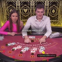 Le jeu en live Blackjack Party est disponible sur Stakes