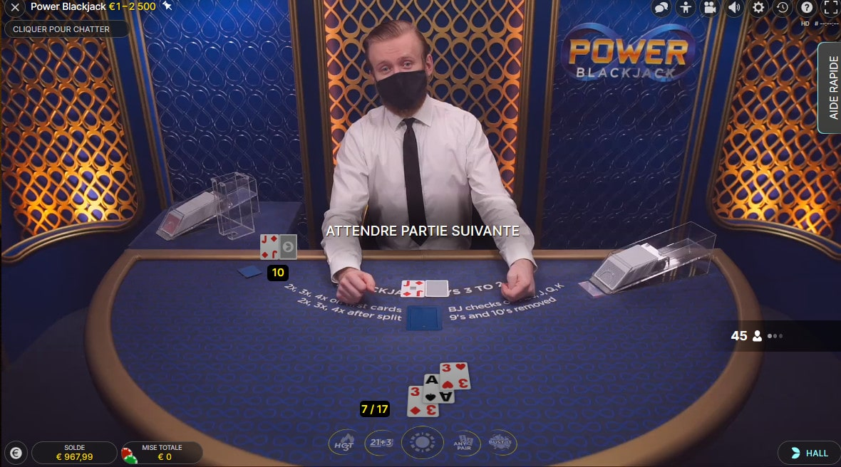 Studio de Power Blackjack avec croupier en direct
